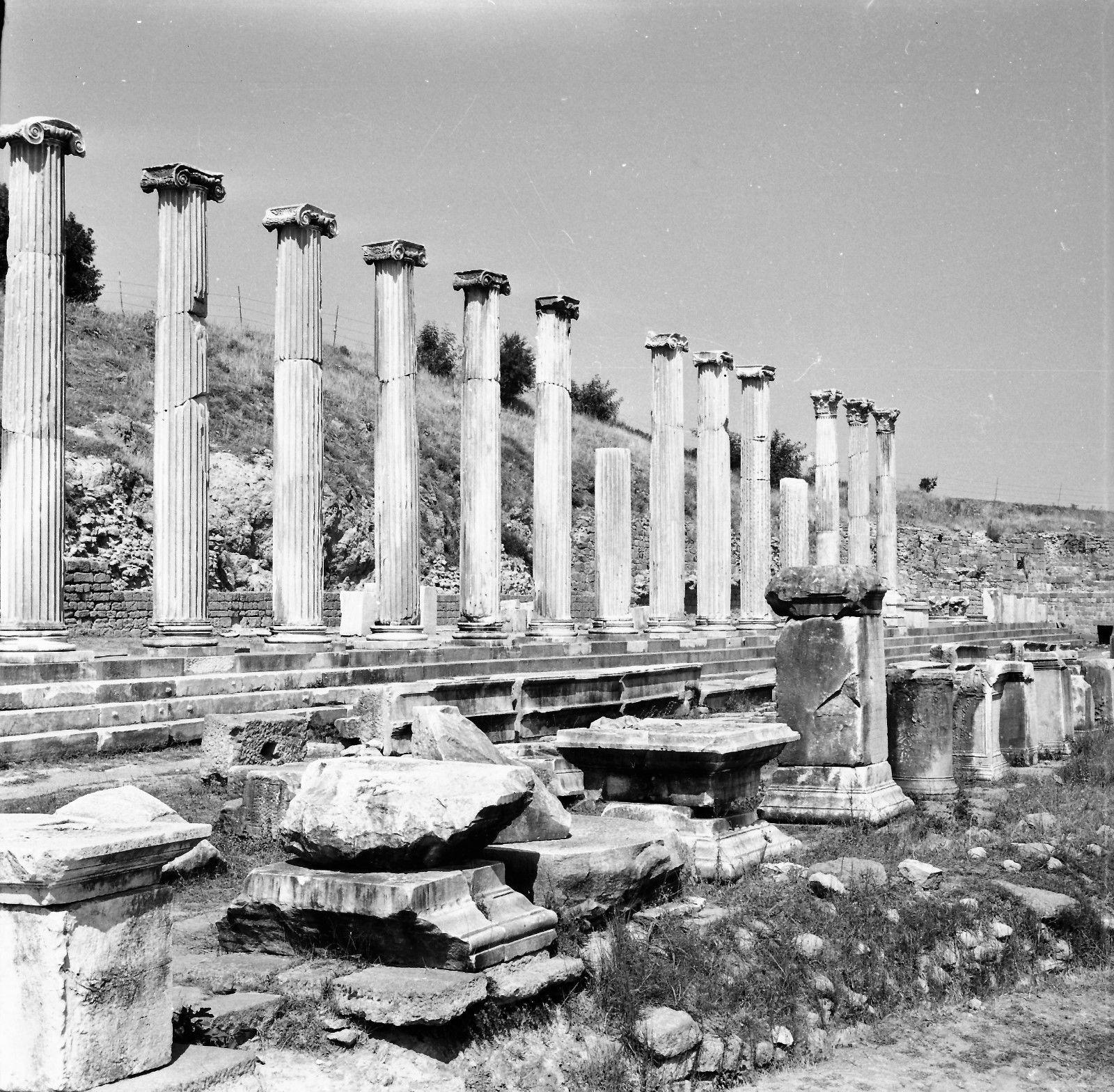 Пергам. Колонны Асклепиона