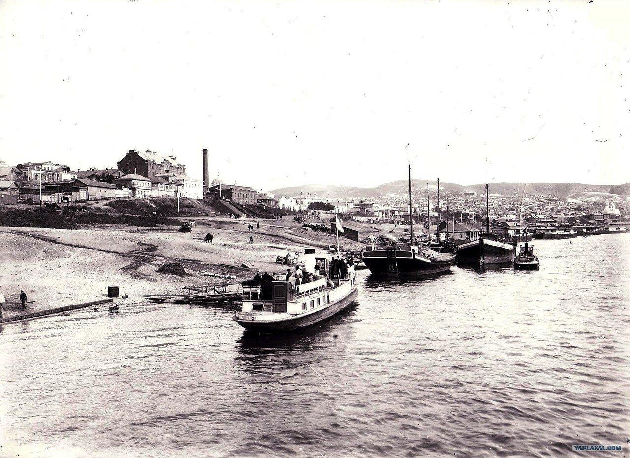 У пристани