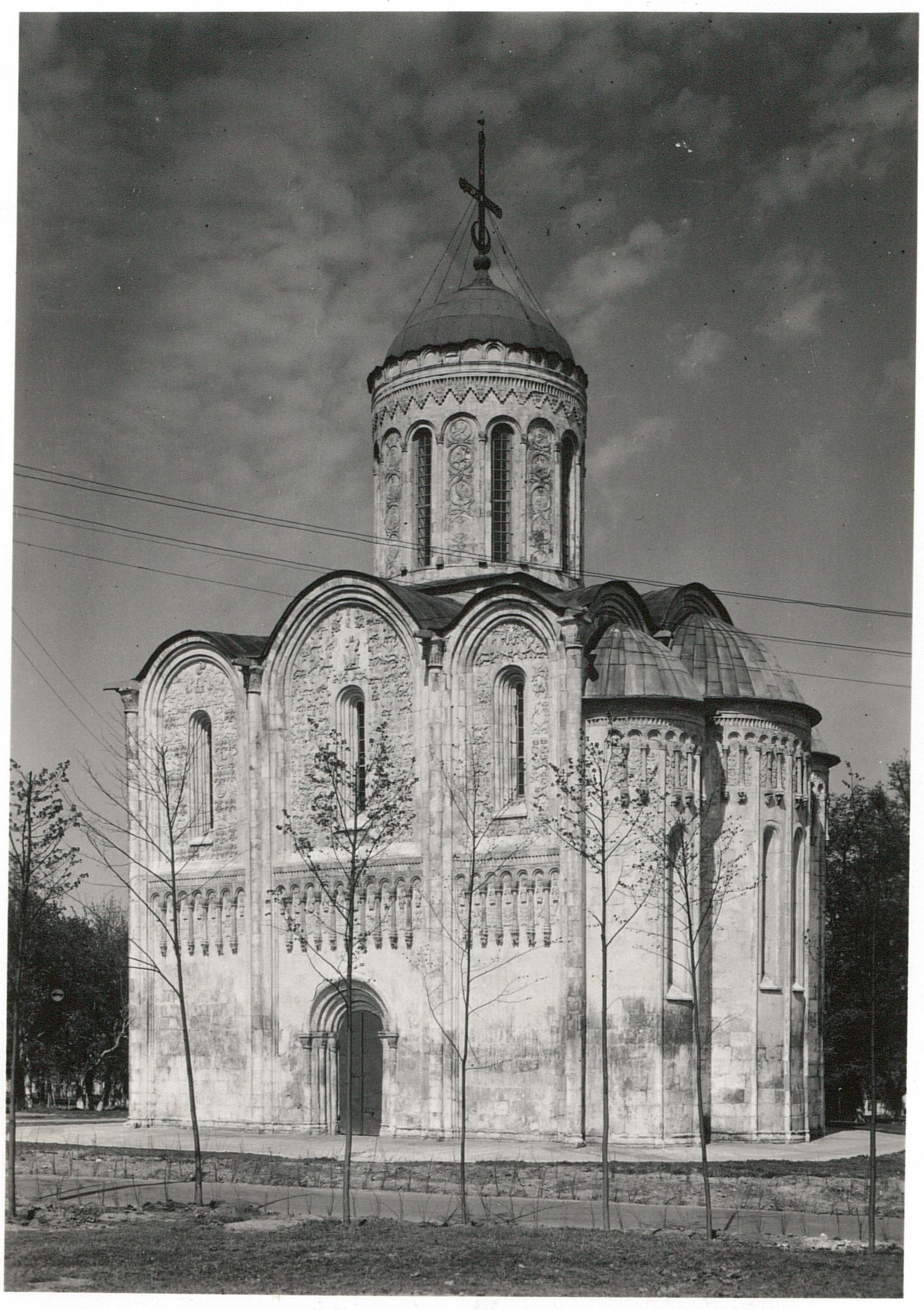 Владимир. Дмитриевский собор. Южная сторона
