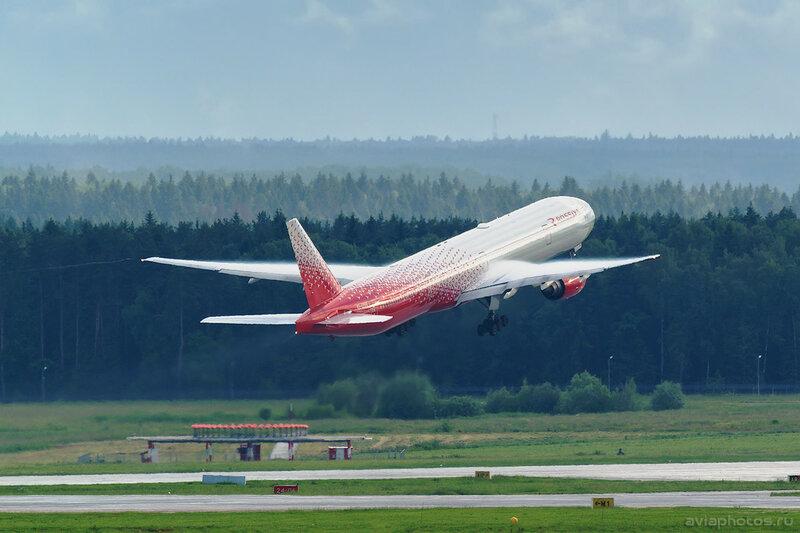 Boeing 777-312 (EI-UNM) Россия 274_D801871