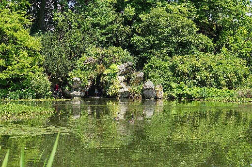В парке Багатель