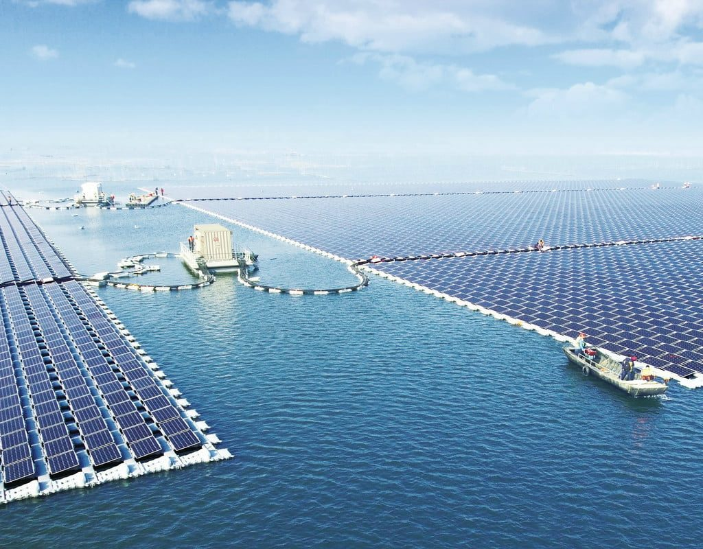 Крупнейшая плавучая солнечная электростанция