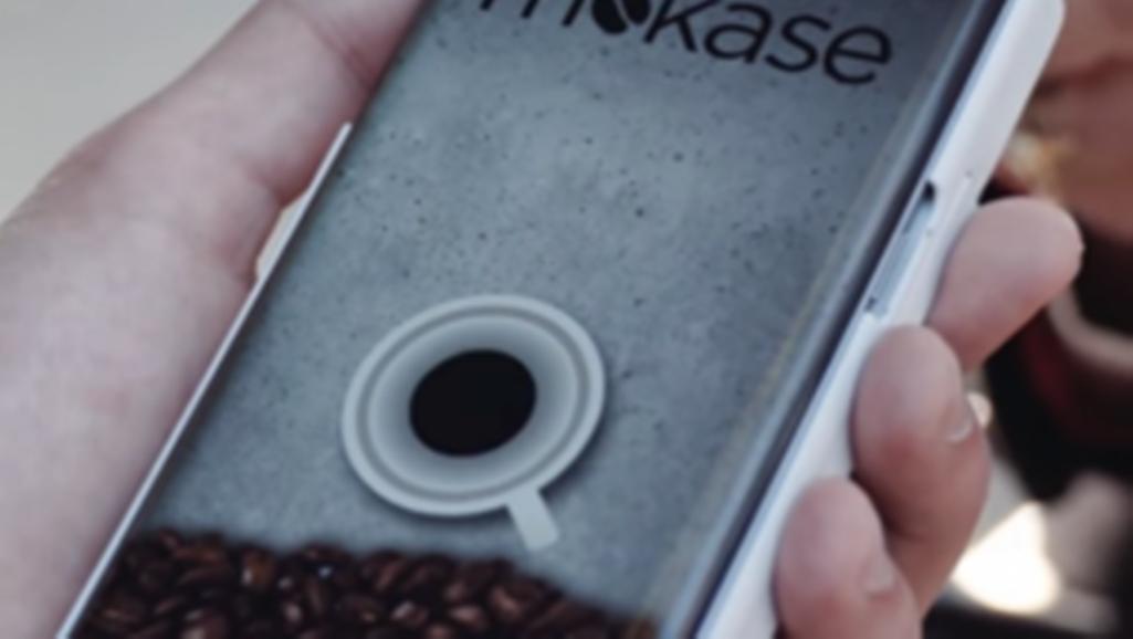 Итальянский ученый разработал чехол-кофемашину для телефонов