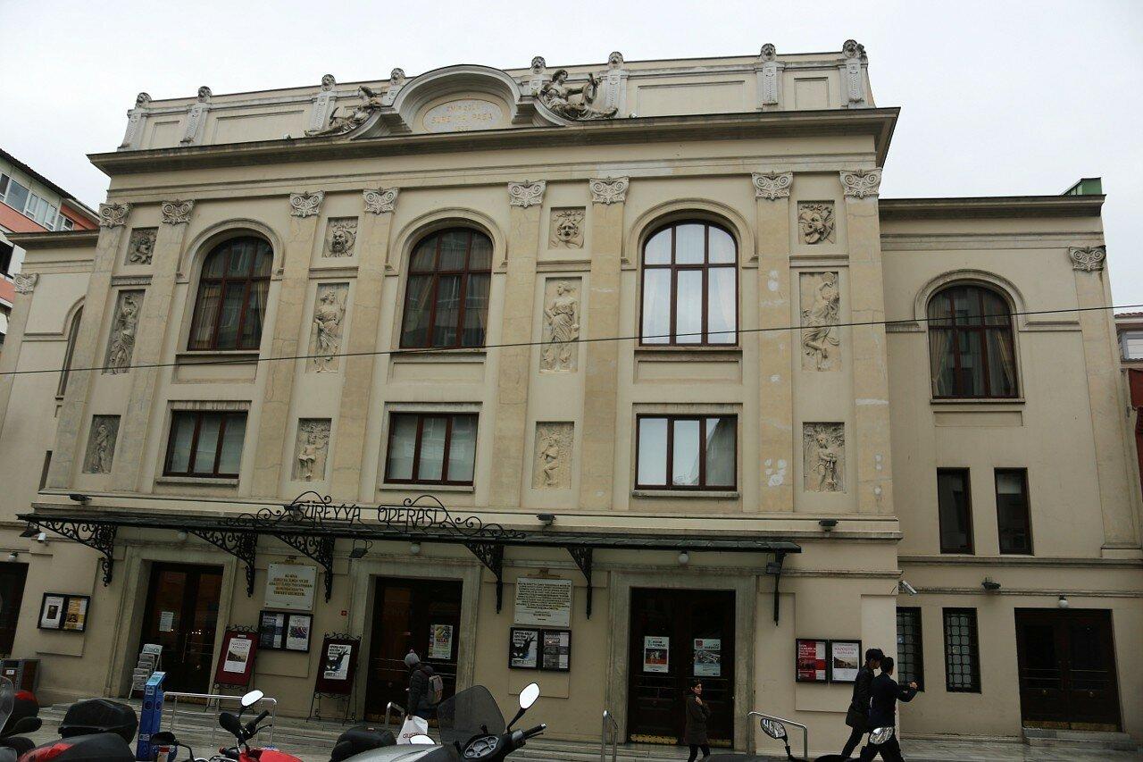 Стамбул. Оперный театр Сюрейя (Kadıköy Belediyesi Süreyya Operası)