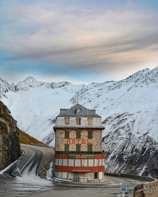 3. Отель Belvedere возле Ронского ледника, Швейцария.