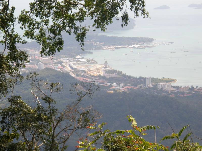 К этому моменту, я покинул Падай-Ченанг и переехал в столицу. Чуть позже, я выложу фото отеля и ценн