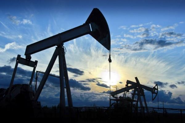 Пошлина наэкспорт нефти из РФ уменьшилась до84 долларов
