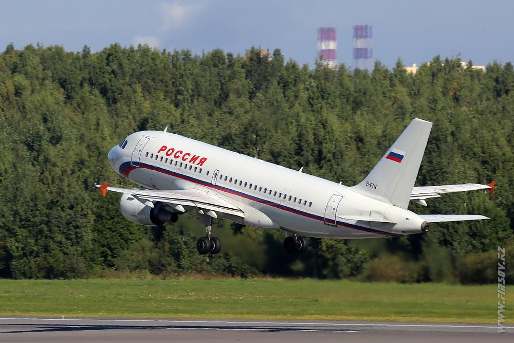 A-319_EI-ETN_Rossiya_2_LED_.JPG