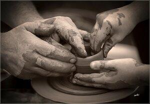 Руки мастера и подмастерья