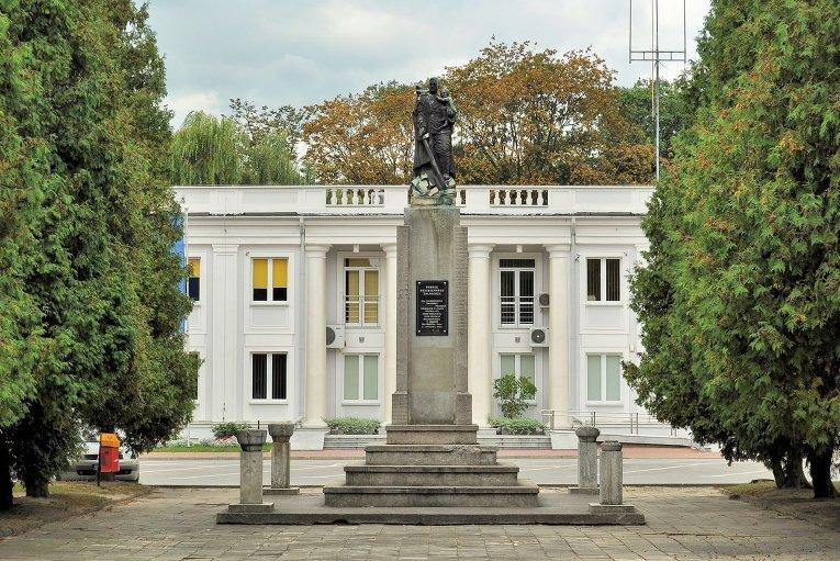 Памятник благодарности Красной Армии в Польше. Архивное фото