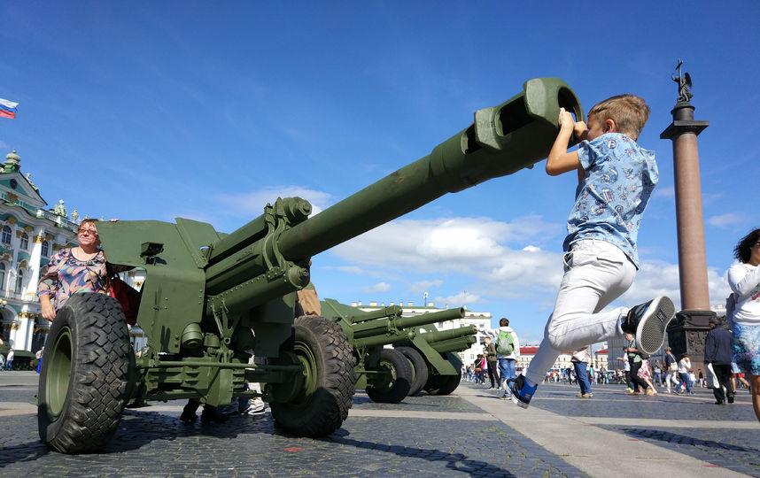 20170808_16-55-Военная техника прибыла на Дворцовую площадь~pic12