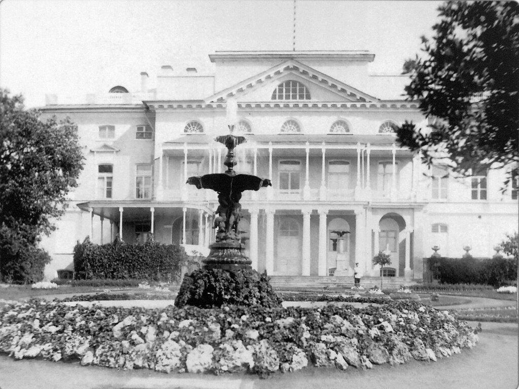 99921 Александринский дворец.jpgМ. Канарский 1880-е.jpg