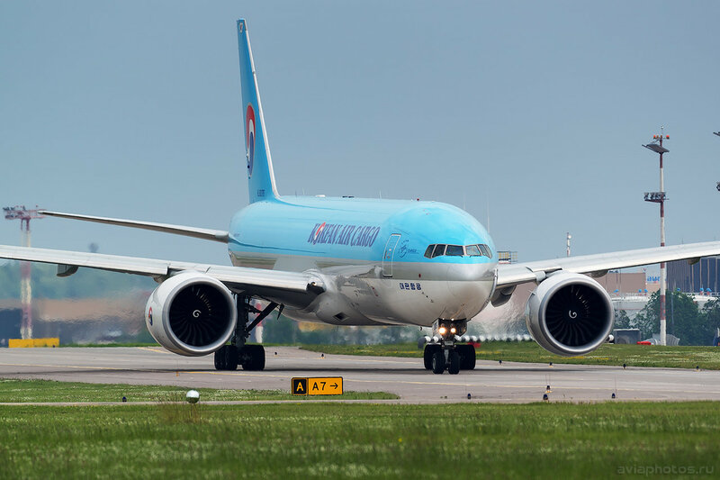 Boeing 777-FEZ (HL8076) Korean Air Cargo 192_D802004