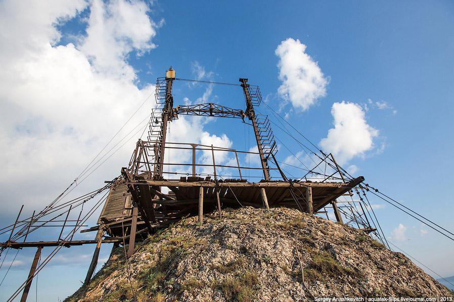 Верхняя часть лунной станции находится на верхней точке Балалы-Кая, на высоте 391 метр над уров
