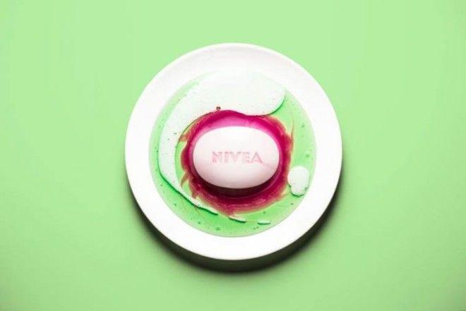 Несколько видов жидкого мыла + кусок обычного = попурри из мыла. Печенье Oreo и зубная паста