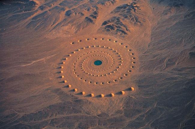 © Ciel Bleu Media  Это странное место расположено ввосточном Египте инапоминает базу НЛО. На