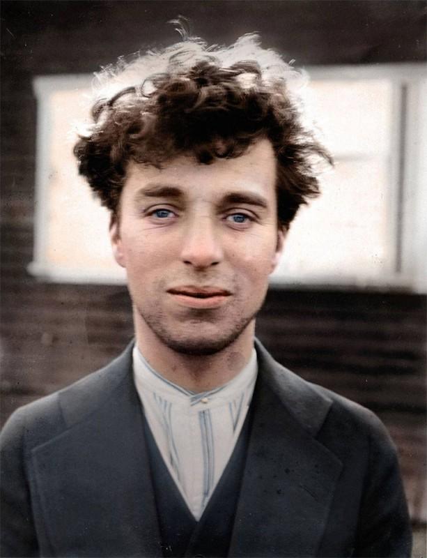 Чарли Чаплин в возрасте 27 лет, без грима, 1916 год.