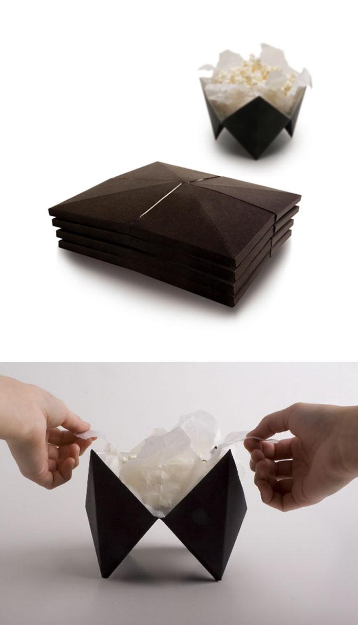 Упаковка для попкорна, которая раскрывается, когда он готов.