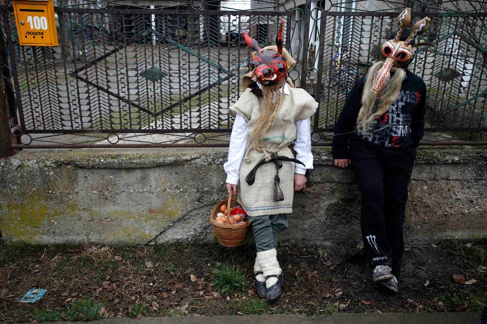 12. Демон. Село Лозовик, Сербия, 22 февраля 2015. (Фото Marko Djurica):