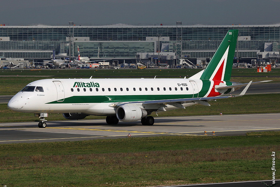 Embraer-170_EI-RDD_Alitalia_Cityliner_zps3d5c020c.JPG