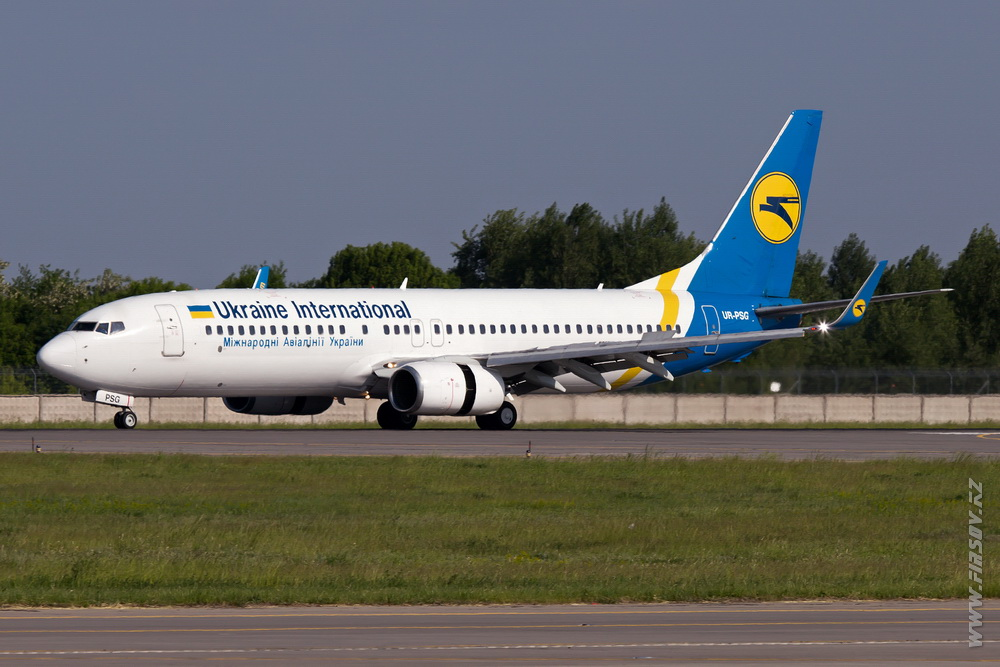 B-737_UR-PSG_Ukraine_International_Airlines_1.JPG