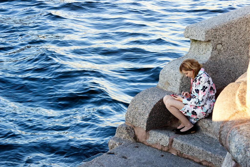 Английская набережная. Река Нева. Возле Благовещенского моста. Сант-Петербург