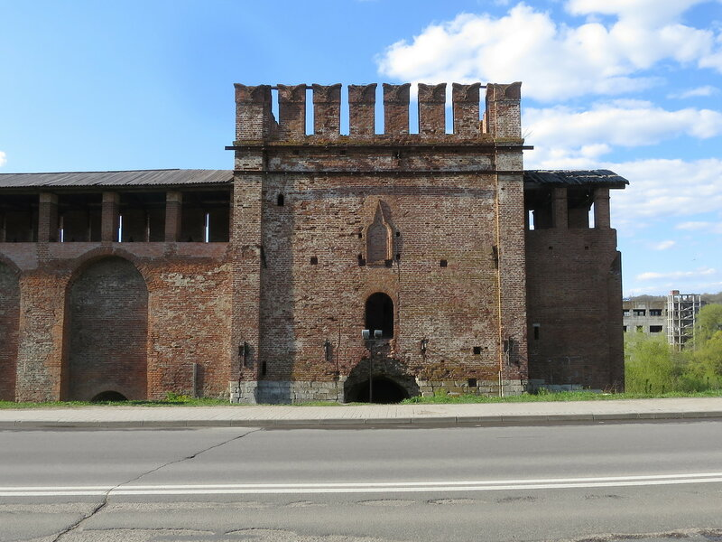 Волкова башня (2) со стороны города