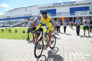 """Самая протяжённая в мире велогонка стартовала сегодня из Хабаровска от арены """"Ерофей"""". Завтра - финиш во Владивостоке"""
