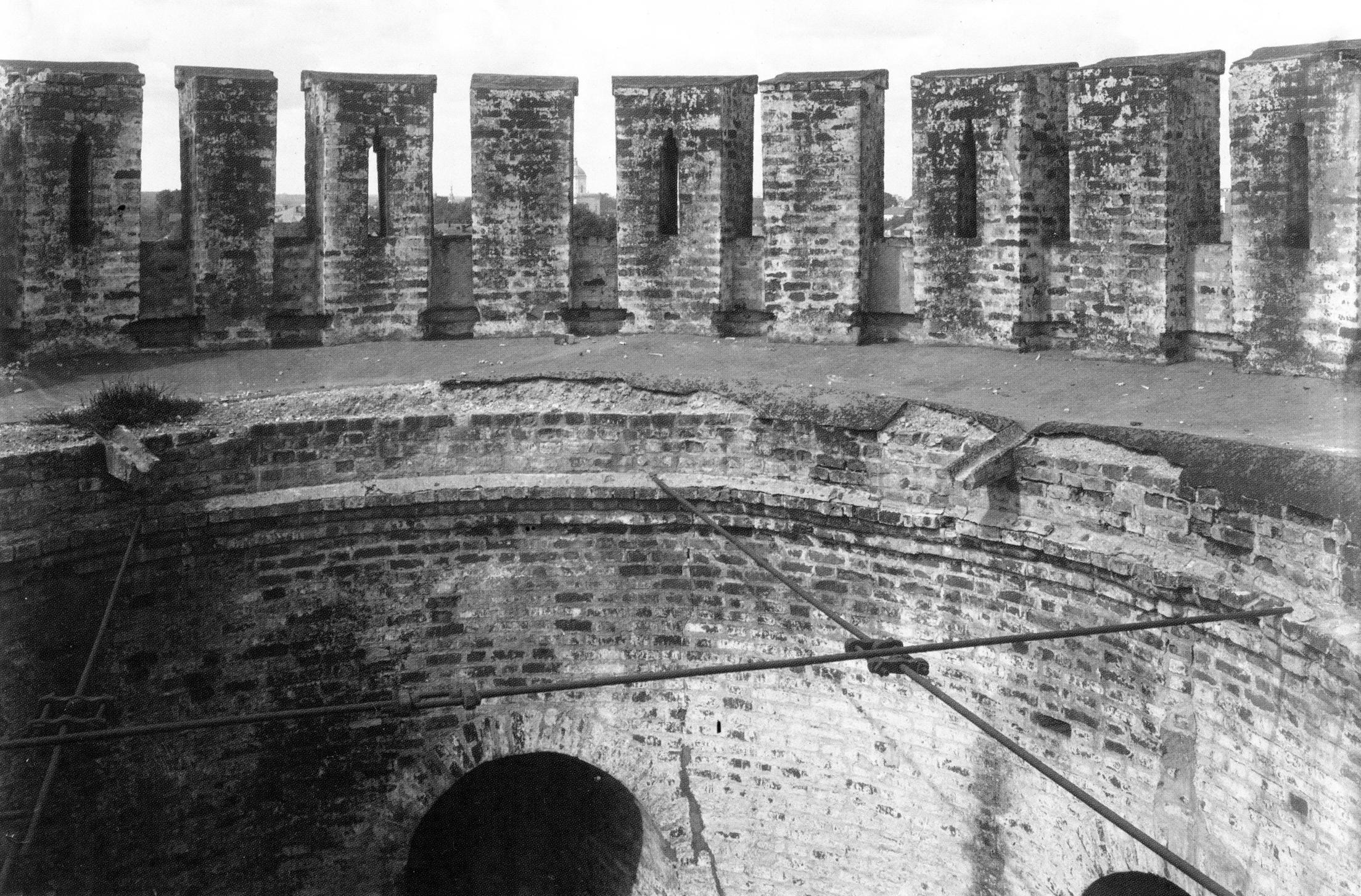 Внутри Долгочевской башни. 1909