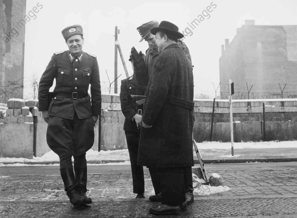 Berlin, Passierscheinabkommen 1963 - -