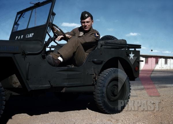 stock-photo-willys-jeep-in-american-pow-camp-for-german-soldiers-tripoli-libya-1945-13139.jpg