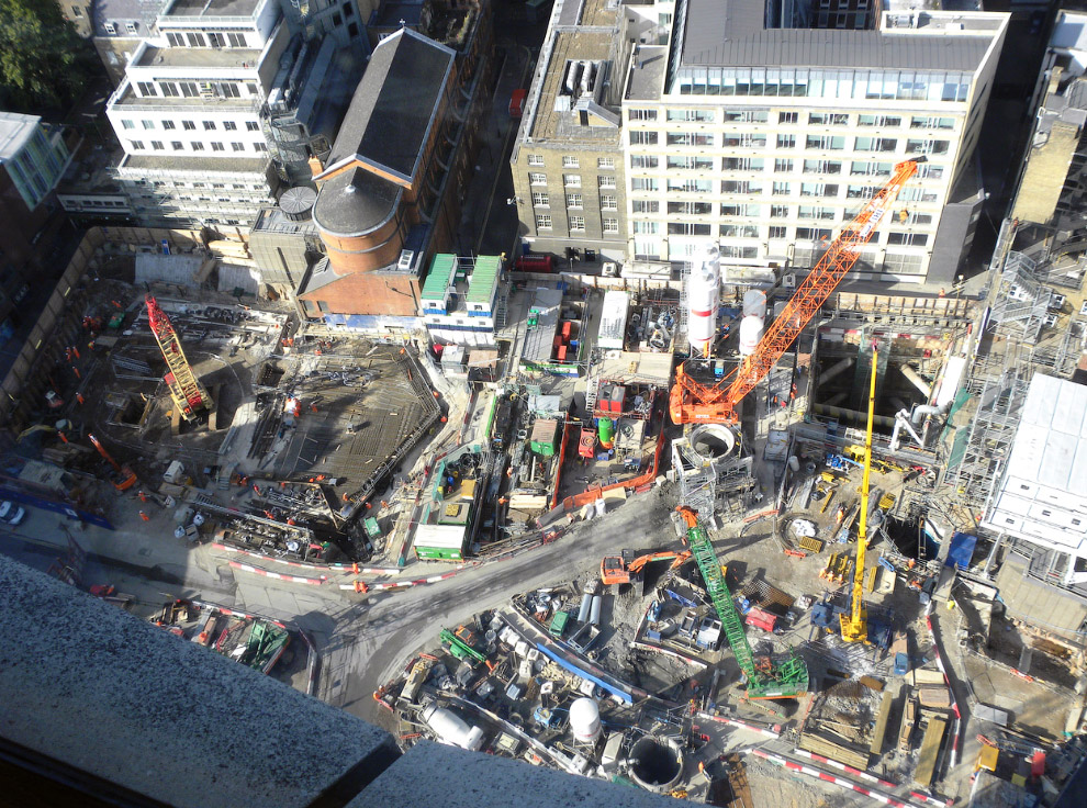 Проект станции Canary Wharf. Шестиэтажная махина включает в себя порядка 100 000 кв.м. торговых