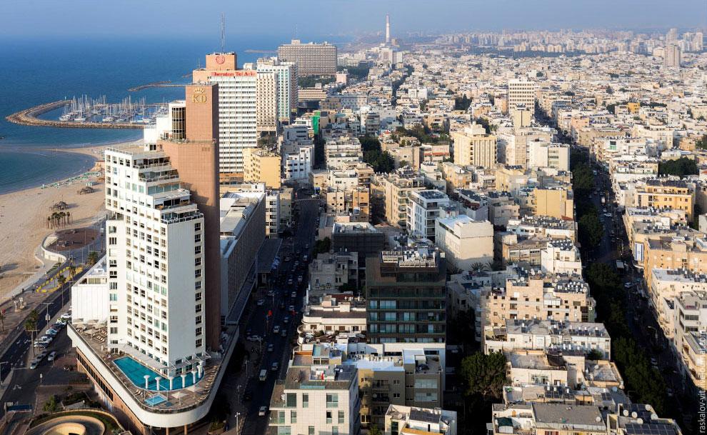 Тель-Авив является самым эклектичным из городов Израиля. Современные небоскребы вдоль скоростно
