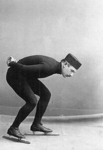 Н.В.Струнников, чемпион мира по бегу на коньках, на беговых коньках