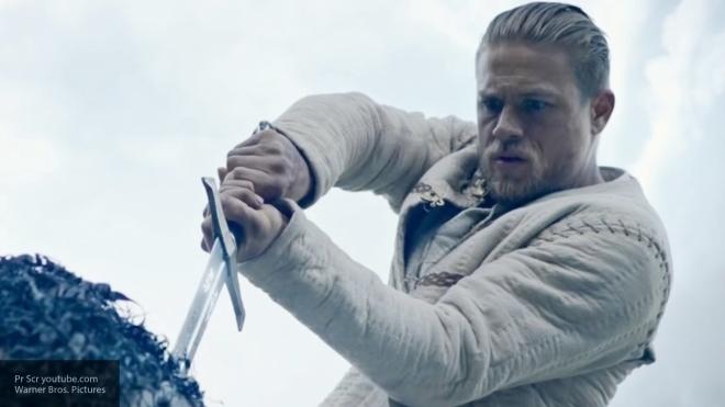 Вweb-сети интернет появился заключительный трейлер фильма «Меч короля Артура»