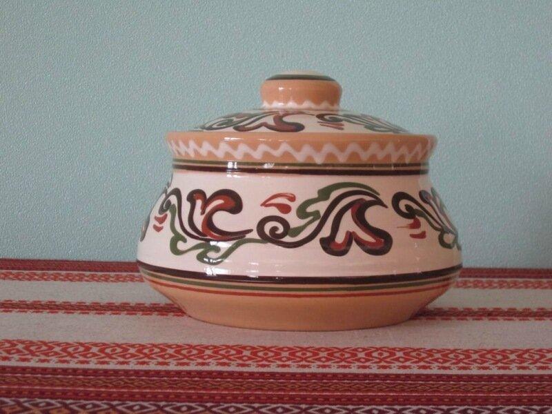 Макитра(большая глиняная посудина)