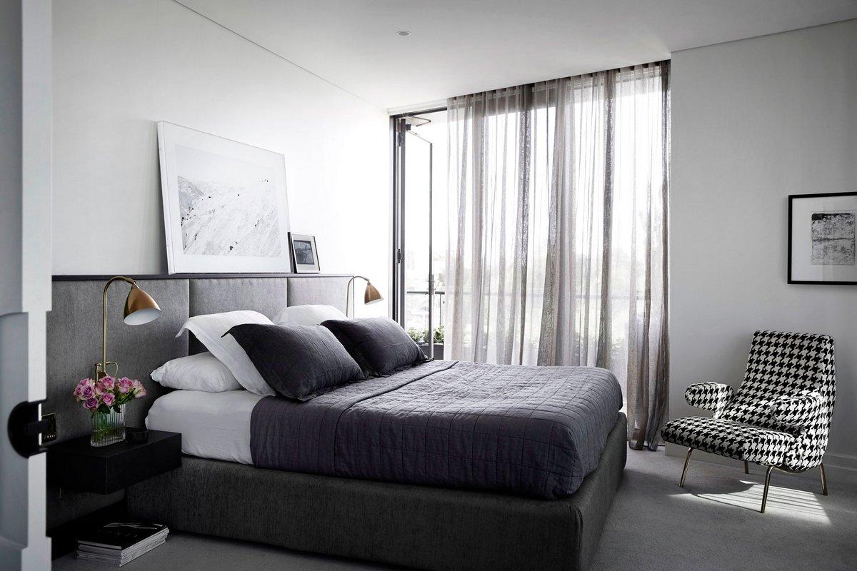 спальня в бело сером цвете