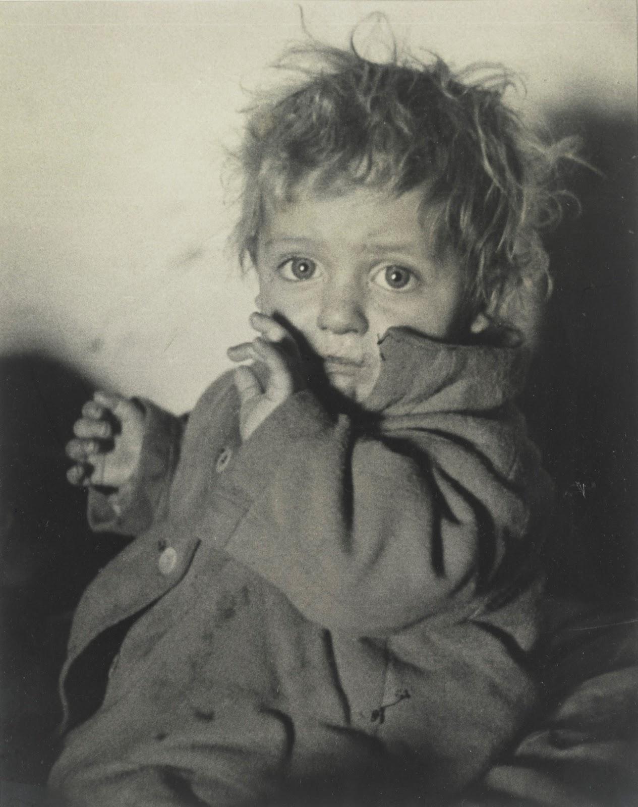 Голодный ребенок. 1938