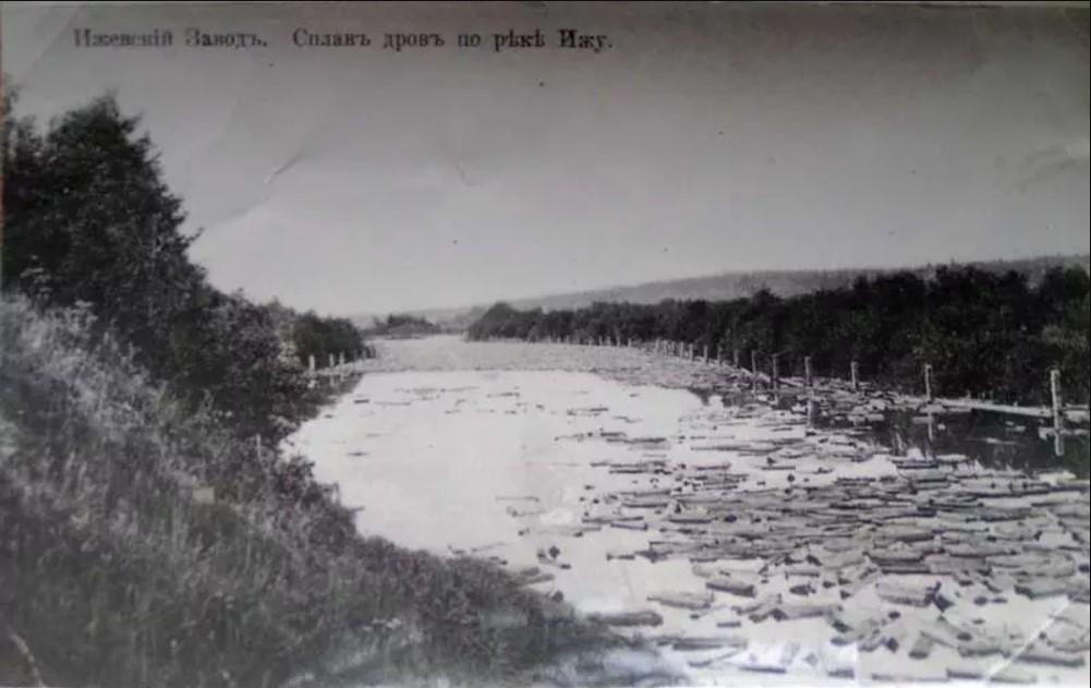 Сплав дров по реке Иж