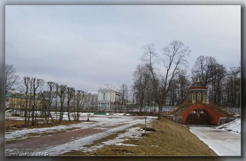 Крестовый мост и вид на Екатеринниский дворец