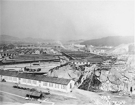 Что происходило при освобождении концлагерей. Австрия 1945 г. 466998_600.jpg