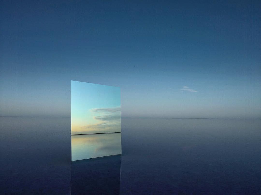 Удивительные зеркальные пейзажи озер
