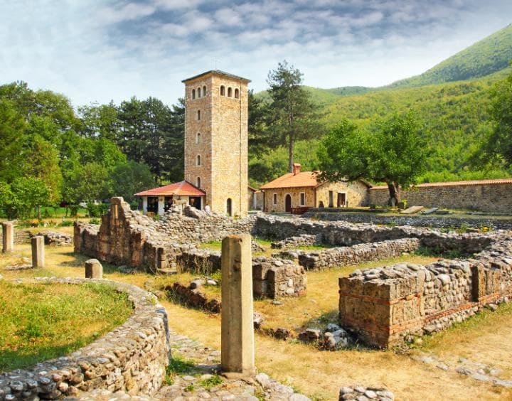Средневековые монументы, Косово. Под угрозой с 2004 года. Под угрозой исчезновения оказались правосл