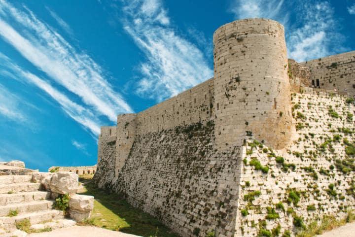 Замки Крак-де-Шевалье и Калъат-Салах-ад-Дин, Сирия. Под угрозой с 2013 года.