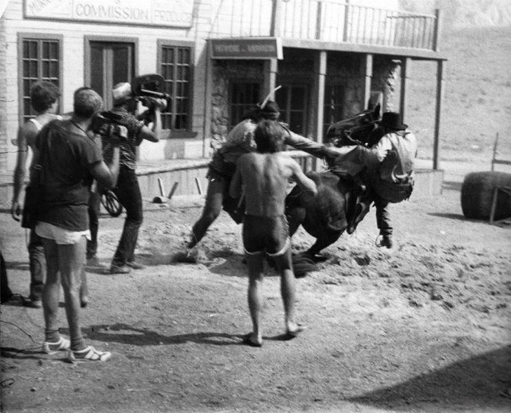 Съемки «Человека с бульвара Капуцинов» начались летом 1986 года в Белогорске. Крым снова распахнул с
