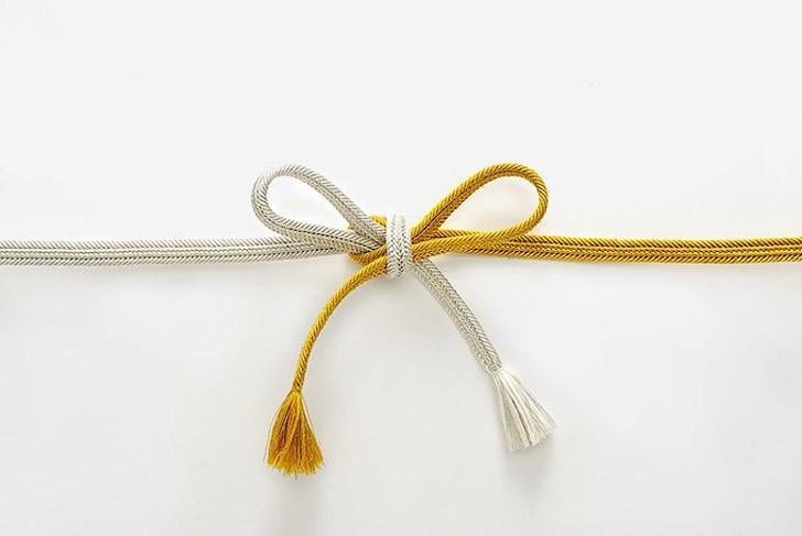 10. После создания магнитной застежки-молнии шнурки — главная проблема человечества. Производители с
