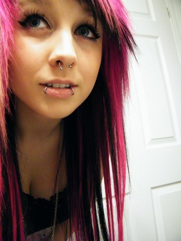 Девушки с цветными волосами