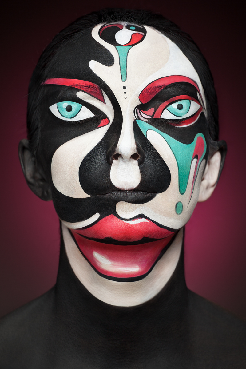 Faces of Models Transformed Into 2D Images with Face Paint (7 pics)