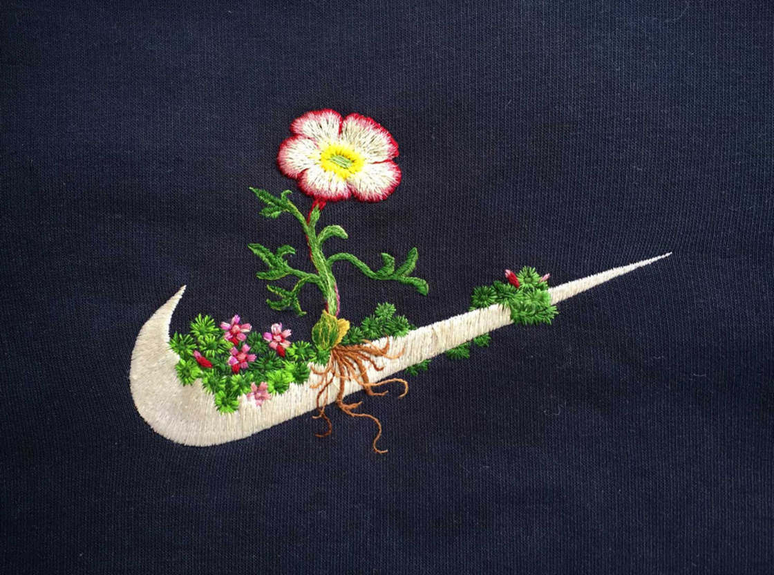 Embroideries on Sportswear Famous Logos