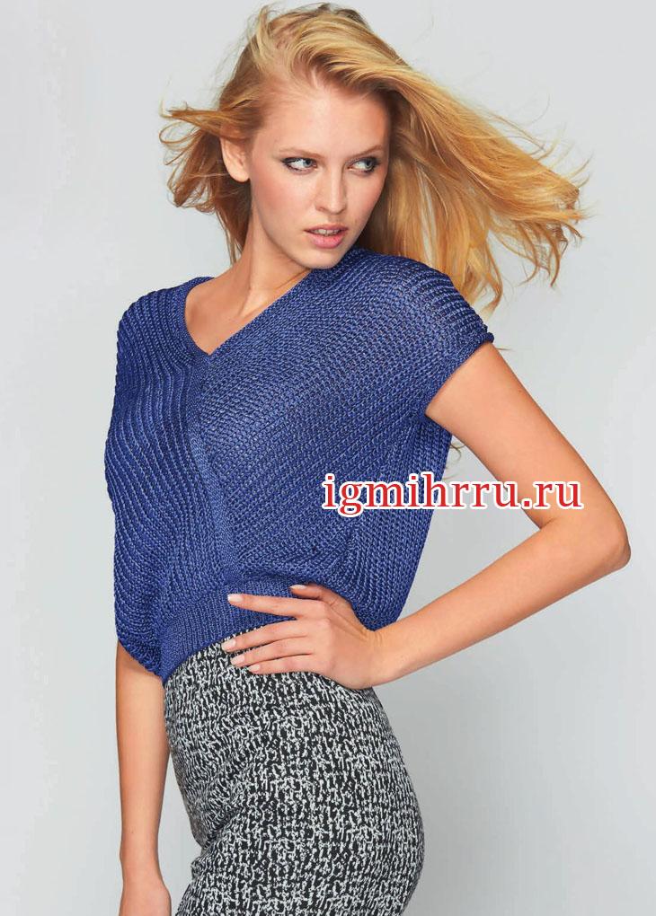 Синий пуловер с асимметричным кроем. Вязание спицами